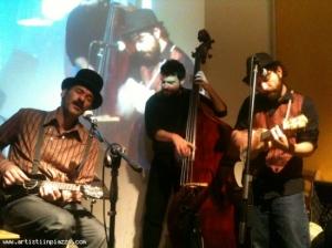 Christian Lisi ukulele trio